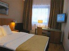 Holiday Inn Helsinki Vantaa Airport Bedroom